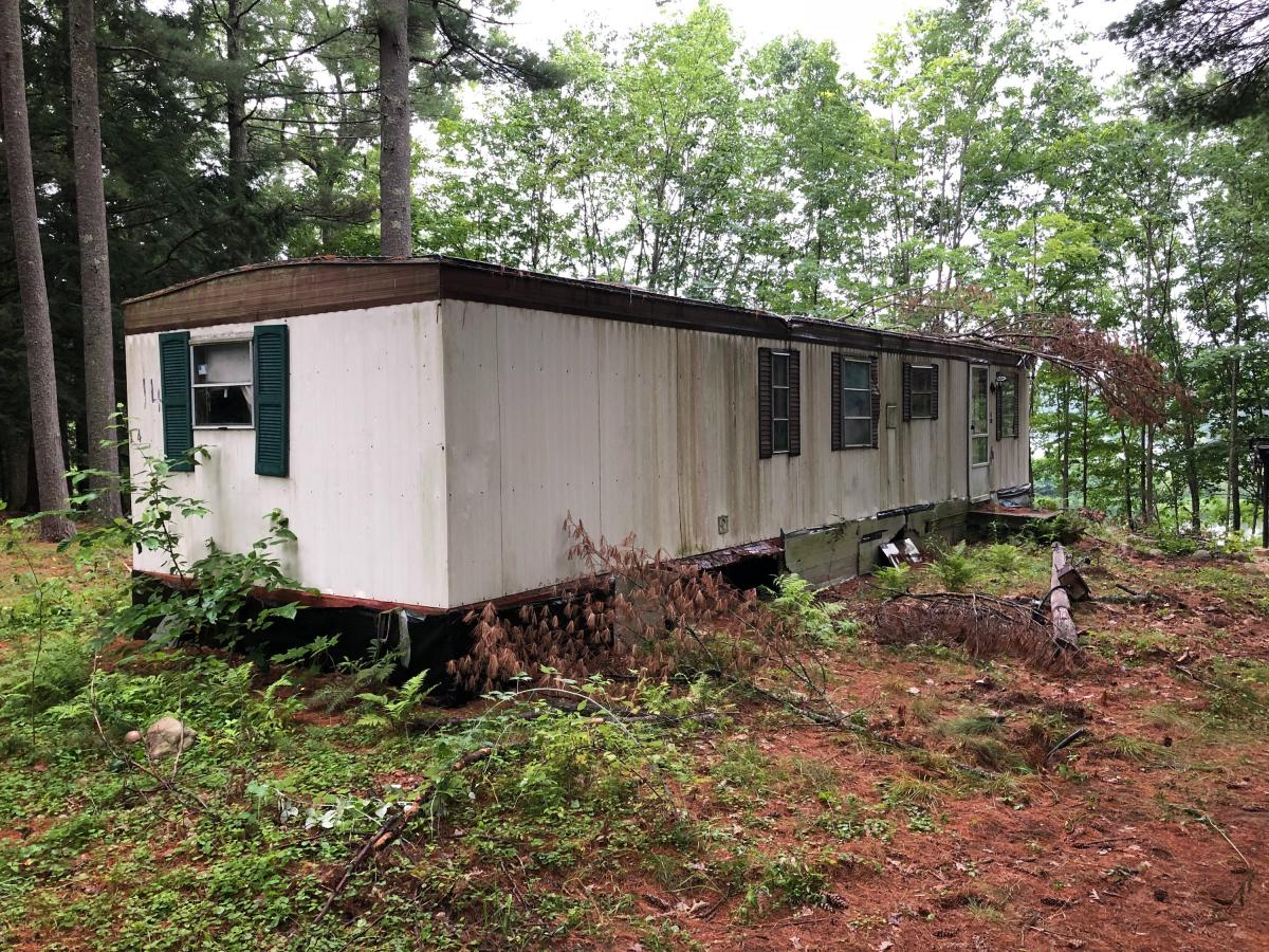 The Dump Guy   Demolition Services Trashed Double Wide Mobile Home on crashed mobile homes, beat up mobile homes, trailer mobile homes, dirty mobile homes, destroyed mobile homes, abandon mobile homes, coaster mobile homes, purple mobile homes, remade mobile homes, sold mobile homes,